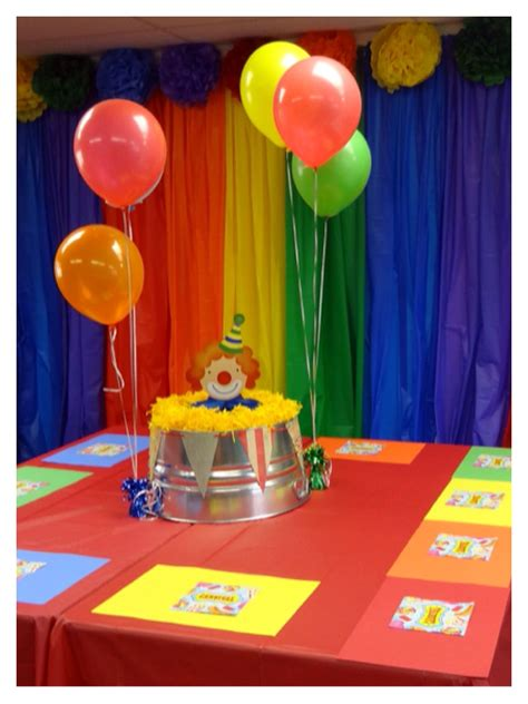 Backdrop Ideas For School by Carnival Or Circus Theme Backdrop Table Decorations For