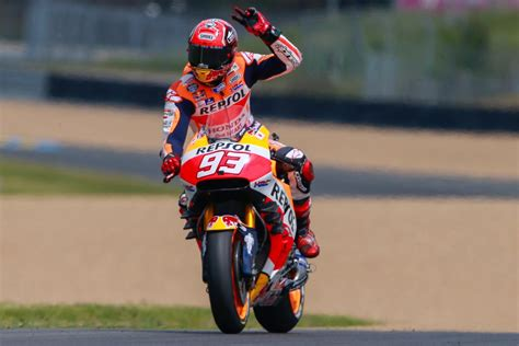 honda racing corporation renew  marc marquez   motogp