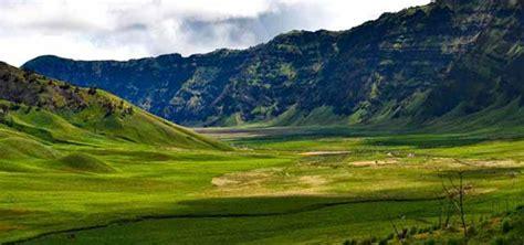 rute jalan menuju wisata padang savana bromo royal