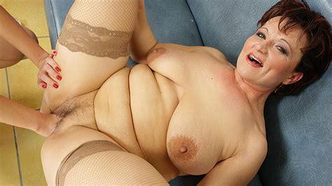 Hot Babe Fisting A Naughty Mature Slut Porno Movies