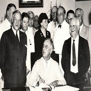 Download Labor History in 2:00 - June 25 - FDR Signs the ...
