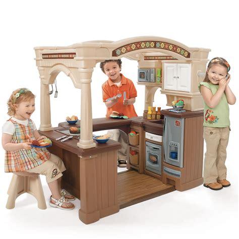 lifestyle grand walk in kitchen play kitchens step2
