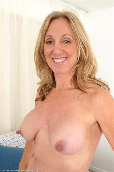 Babe Today All Over 30 Jenna Covelli Surfing Housewives Xxxgirl Porn Pics