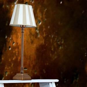 Tischleuchte Mit Schirm : tischleuchte mit fu in bronze antik und creme beigefarbenen schirm wohnlicht ~ Indierocktalk.com Haus und Dekorationen