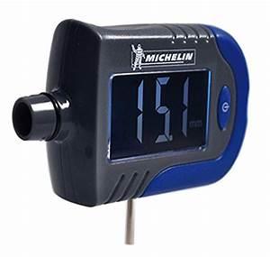 Manometre Pression Pneu Michelin : michelin 009526 contr leur pression avec usure pneus 123autos ~ Melissatoandfro.com Idées de Décoration