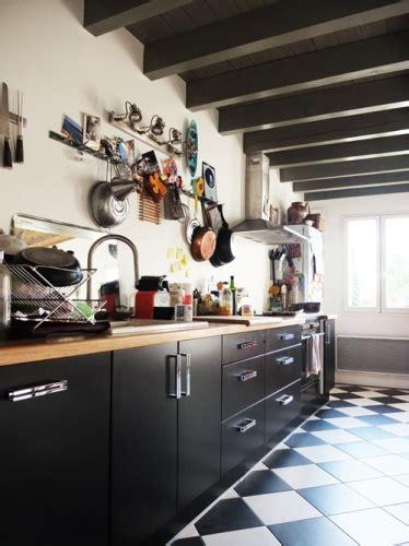 modele cuisine noir et blanc cuisine damier noir et blanc