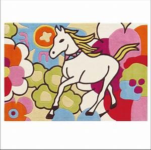 tapis licorne With tapis chambre bébé avec fleurs de bach et animaux