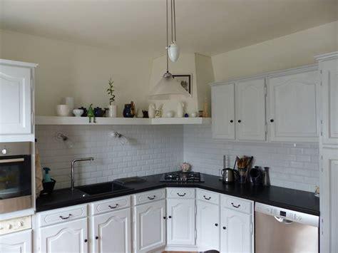 exemple de cuisine repeinte comment moderniser une cuisine rustique eleonore déco