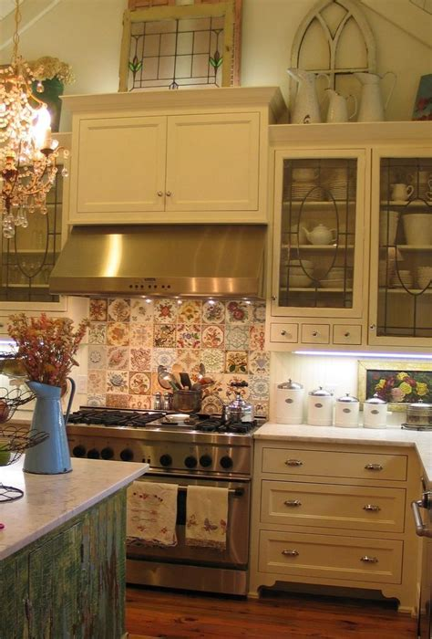 Decorating Ideas For Tops Of Kitchen Cupboards by 25 Best Ideas About Above Cabinet Decor On