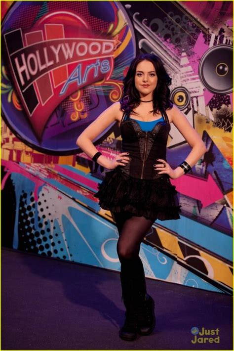 elizabeth gillies relatives are victoria justice and beck from victorious dating