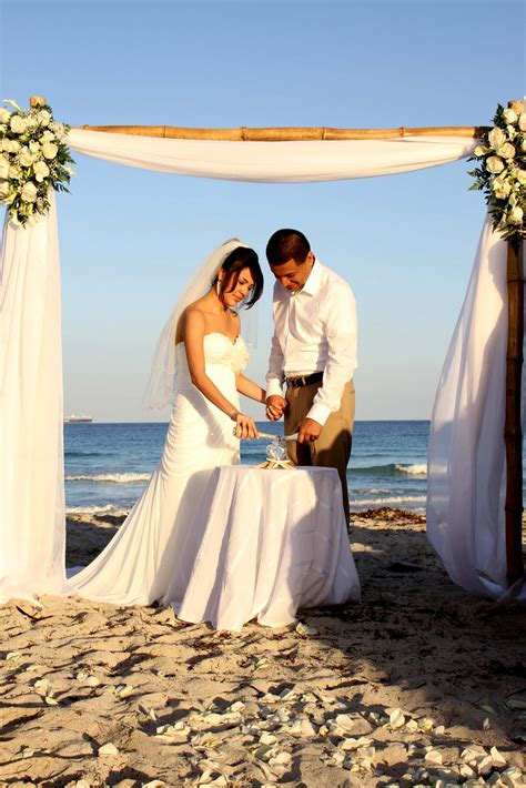 affordable beach weddings    evelyn juans