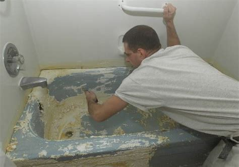 Bathtub Refinishing Paint by Pros And Cons Of Replacing Restoring Or Relining Your
