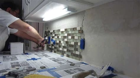 how to install backsplash in kitchen how to install glass mosaic tile backsplash part 2