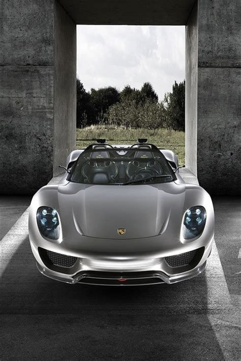 porsche electric 918 porsche 918 spyder electric motor in the front and a v8