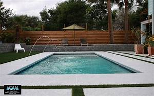 Modern pool design remodels and decor designstudiomkcom for Modern backyard with pool