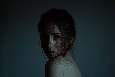 simple concept female portrait photography  alessie albi