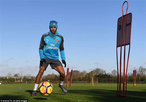Aubameyang enjoys first training session with Arsenal ...