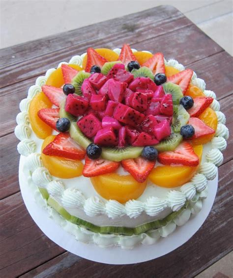 cakes decorated with fruit you to see pandan cake with fruit on craftsy