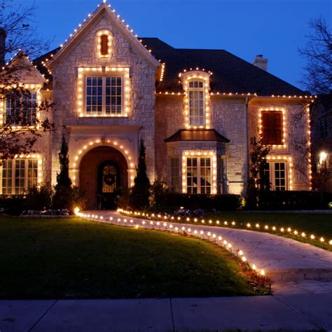 magical outdoor christmas lighting ideas     breath  page