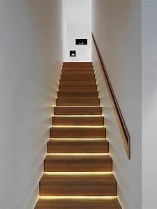 Indirekte Beleuchtung Treppe : cool indirekte beleuchtung led treppenhaus trittstufen hair treppe haus treppe treppenhaus ~ Pilothousefishingboats.com Haus und Dekorationen