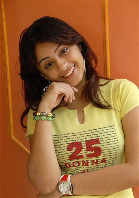 Young Teen Actress Suhaani Cute N Hot Pics Telugu Cinema Stills