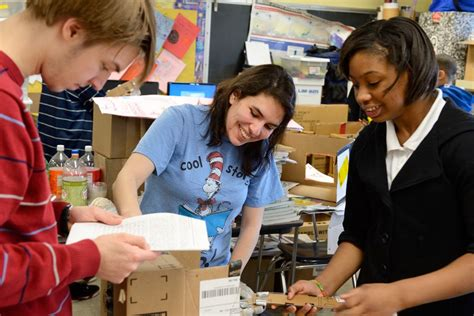 Middle School Students Engineer project pairs engineering students with city