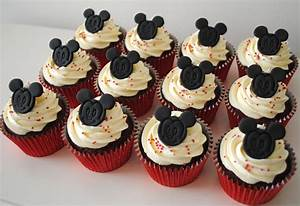 Miss Cupcakes» Blog Archive » Mickey Mouse cupcakes (12)
