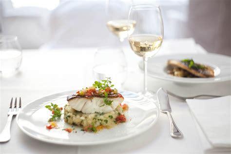 la cuisine du panier la maison chs elysees restaurant la table