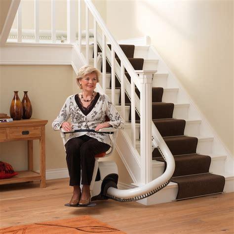 chaise monte escalier tout savoir sur le monte escalier le monte escalier