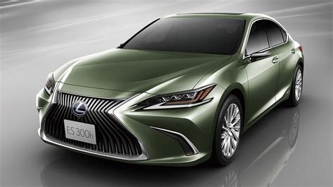 lexus es  replaces wing mirrors  cameras  japan