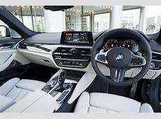 【新型BMW5シリーズ試乗】内装の質感と居住性、積載性も見逃せない魅力 clicccarcomクリッカー