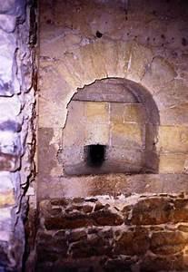 Bathrooms in medieval castles creativemindspromocom for Bathrooms in castles