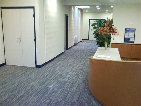 moquette bureau professionnel accueil bureaux moquette décorative en dalles orléans