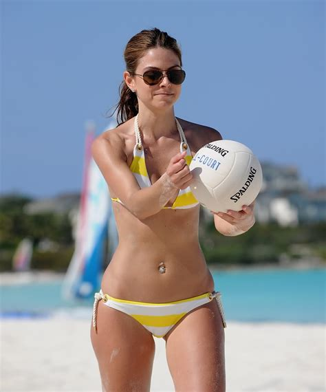 Maria Menounos Bikini Pictures Oh No They Didn T