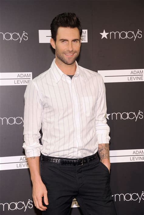 maroon 5 height adam levine body height and weights