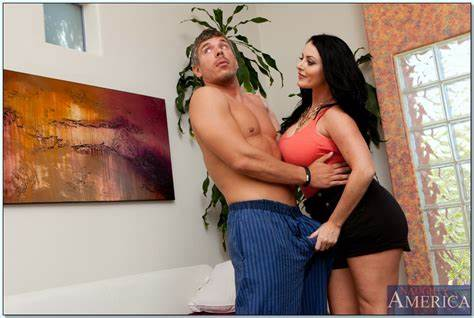 Sophie Dee Doing Screwed At Photoshoot Cuvaceous Cousin Sophie Dee Taking A Fellatio And Tries Sex