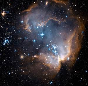 Space in Images - 2007 - 01 - Hubble's view of N90 star ...