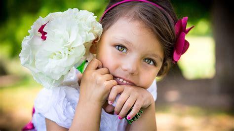 flower child wallpaper
