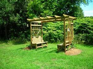 grape arbor from Krissi construction in Akron, OH 44320