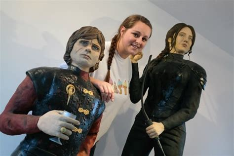 hunger games fan bakes incredible life sized katniss