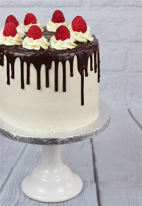 raspberry drip cake cakey goodness