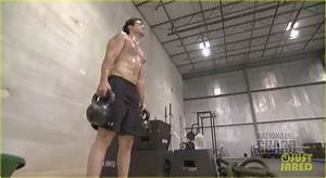 Henry Cavill: Shirtless 'Man of Steel' Workout Video ...