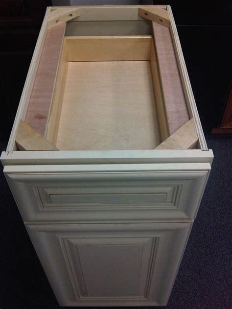 CABINET DOOR CORNER BRACKET ? Cabinet Doors