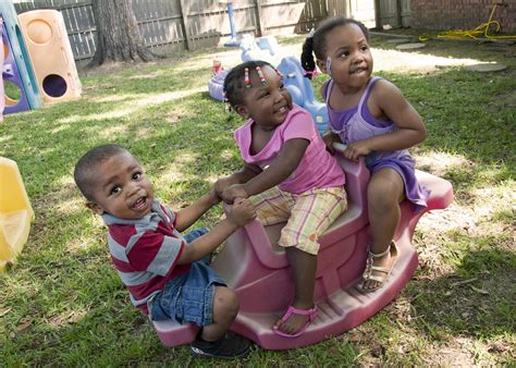 outside play for preschoolers simple precautions make outdoor play safer for 205