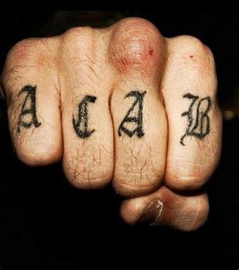 gefaengnis tattoos  motive mit einzigartiger bedeutung