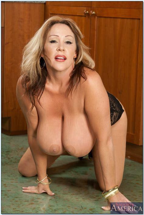 Mature Fatty With Big Tits Kandi Cox Posing In Sexy Lingerie Pornpics Com