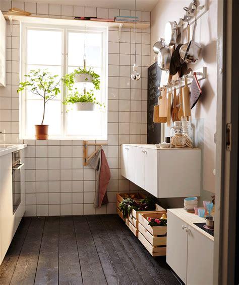 office de cuisine la même cuisine aménagée en chambre avec un