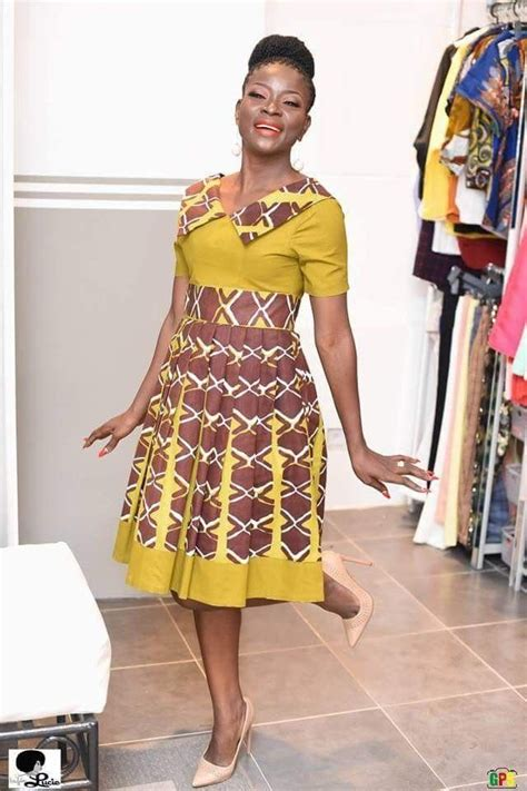 robe africaine moderne robes pour f 234 tes des m 232 res robe pagne en 2019 robe africaine mode africaine robe et robe en