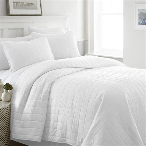Bamboo Coverlet by Caro Home 100 Rayon From Bamboo White Coverlet Set