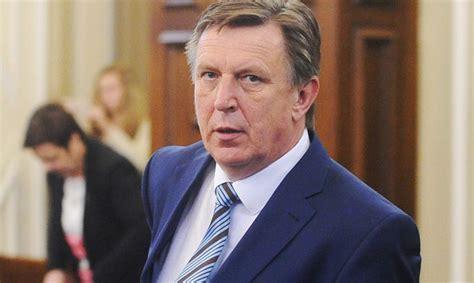 «Vienotība» vēlas pārraudzīt sešas ministrijas; Kučinskis ...